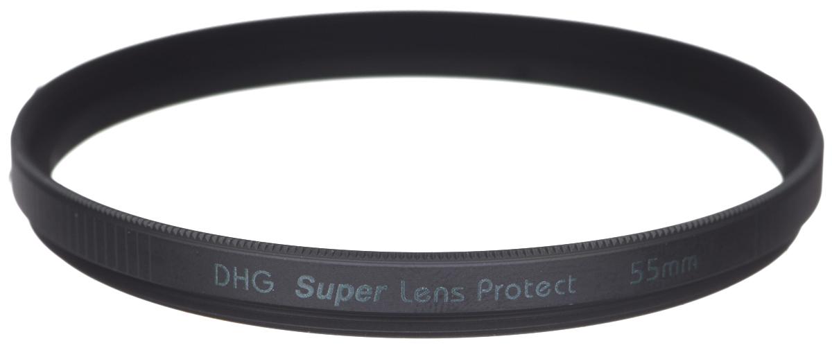 Marumi DHG Super Lens Protect защитный светофильтр (55 мм)DHG Super Lens ProtectСветофильтр Marumi DHG Super Lens Protect относится к последнему поколению высококлассных защитныхсветофильтров для цифровой фототехники. Он имеет специальное двухстороннее просветление, устраняющееультрафиолетовые лучи, и улучшающее при этом качество изображения. Также светофильтр Marumi DHG SuperLens Protect отсекает инфракрасные лучи, вредные для матрицы цифровой камеры, значительно продлевая срокее службы.Просветление DHG Super имеет очень прочный наружный защитный слой, который защищает фильтр от истиранияи царапин, а также обладает водоотталкивающим и грязеотталкивающим эффектом. Любые загрязнения насветофильтре очень легко удаляются при помощи салфетки. Светофильтры Marumi DHG Super Lens Protect имеюттакже антистатическую защиту.Светофильтры Marumi DHG Super Lens Protect изготовлены из сверхтонкого и прочного оптического стекла,закрепленного через герметичную прокладку, тонкая оправа позволяет использовать сверх широкоугольныеобъективы. Оправа светофильтра покрыта специальным нитридным чернением, что сводит к нулю любыевнутренние переотражения. Резьба светофильтров серии DHG Super имеет тефлоновое покрытие.