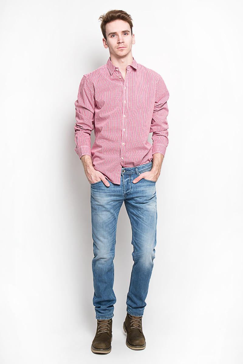 Рубашка мужская Sela, цвет: белый, красный. H-212/664-6162. Размер 42 (50)H-212/664-6162Стильная мужская рубашка Sela, выполненная из высококачественного 100% хлопка, обладает высокой теплопроводностью, воздухопроницаемостью и гигроскопичностью, позволяет коже дышать, тем самым обеспечивая наибольший комфорт при носке. Модель приталенного кроя с отложным воротником застегивается на пуговицы. Длинные рукава рубашки дополнены манжетами на пуговицах. Рубашка оформлена актуальным принтом в мелкую клетку.Такая рубашка подчеркнет ваш вкус и поможет создать великолепный стильный образ.