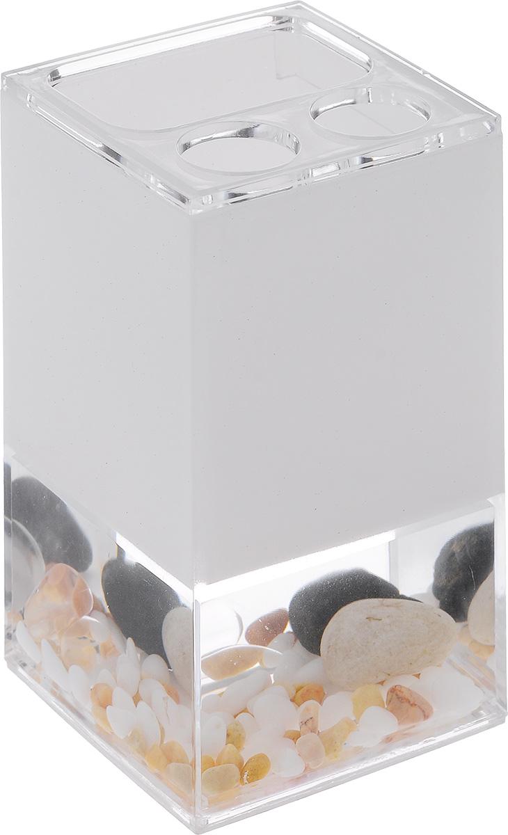 """Стакан для зубных щеток Vanstore """"Stones"""" выполнен из высококачественного пластика с гелевым наполнителем. У изделия имеется прозрачная вставка с декоративными элементами в виде морских камушек. Стильный дизайн изделия притягивает взгляд и прекрасно подойдет к интерьеру ванной комнаты.Размер стакана: 7 х 6,5 х 12,5 см."""