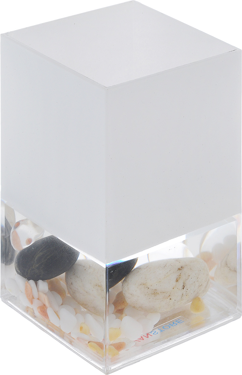Стакан для ванной комнаты Vanstore Stones, высота 12 см383-01Стакан для ванной комнаты Vanstore Stones изготовлен из высококачественного пластика. В стакане удобно хранить зубные щетки, пасту и другие принадлежности. Такой аксессуар для ванной комнаты стильно украсят интерьер и добавят в обычную обстановку яркие и модные акценты.Размер стакана: 6,5 х 6,5 х 12 см.