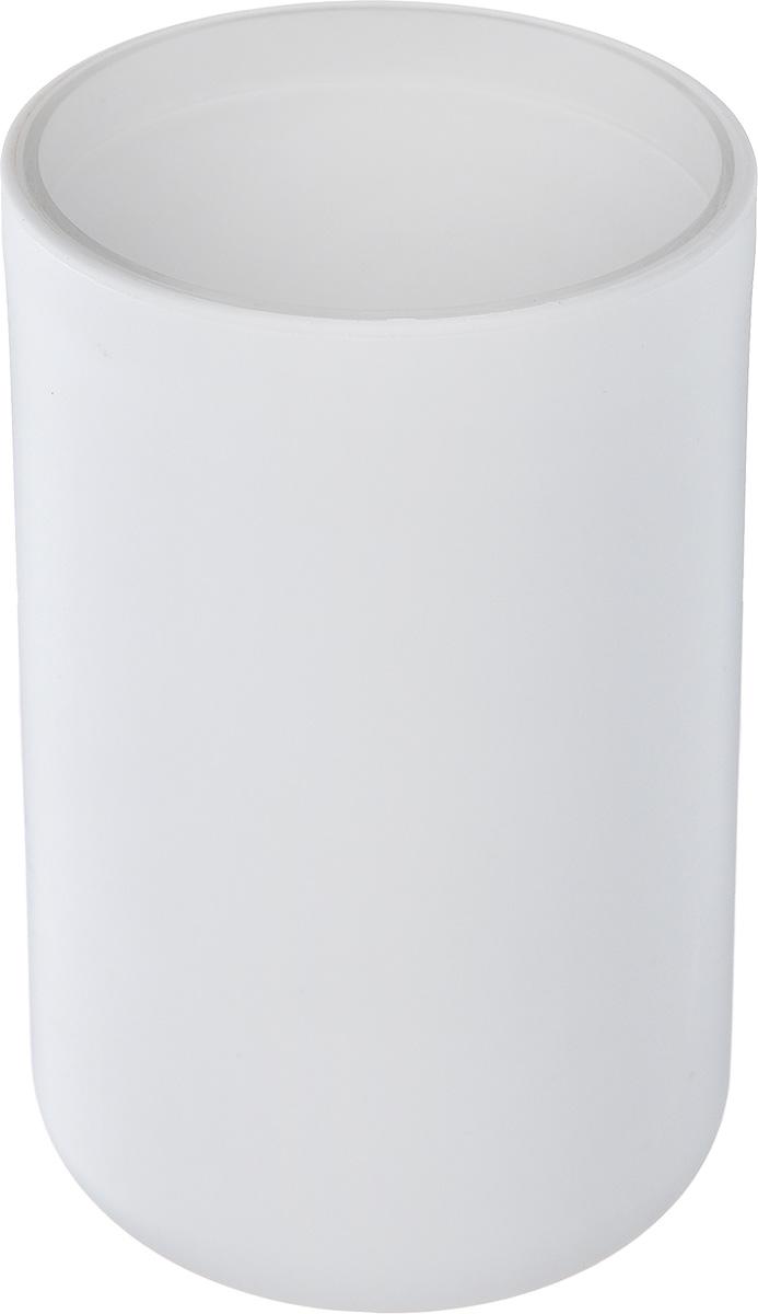 Стакан для ванной комнаты Vanstore Plastic White, цвет: белый, высота 10,5 см309-01Стакан для ванной комнаты Vanstore Plastic White изготовлен из высококачественного пластика. В стакане удобно хранить зубные щетки, тюбики с зубной пастой и другие принадлежности. Такой аксессуар для ванной комнаты стильно украсит интерьер и добавит в обычную обстановку яркие и модные акценты.Размер стакана: 6,5 х 6,5 х 10,5 см.