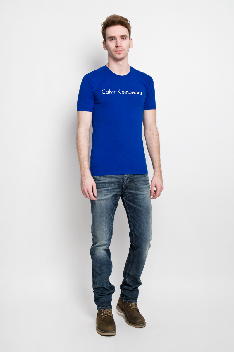 цена на Футболка мужская Calvin Klein Jeans, цвет: синий. J3EJ303543. Размер S (44/46)