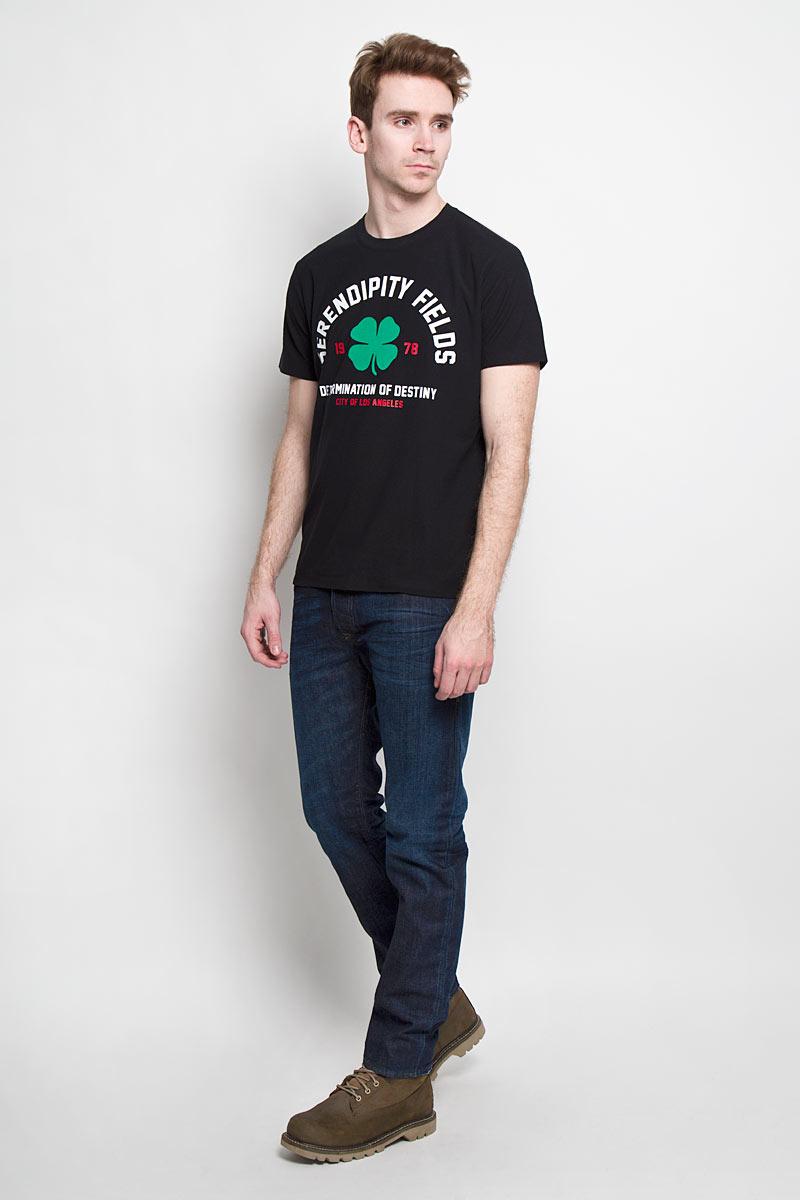 Футболка мужская Diesel, цвет: черный. 00SNBS-0DAKX/900. Размер S (46)00SNBS-0DAKXСтильная мужская футболка Diesel - идеальное решение для повседневной носки. Эта практичная, приятная на ощупь модель, выполненная из полиэстера с хлопком, прекрасно пропускает воздух, она позволит вам чувствовать себя уверенно и легко.Удобный крой, круглый воротник и короткий рукав обеспечивают свободу движений. Лицевая сторона футболки оформлена оригинальным принтом с надписями на английском языке.Эта футболка - идеальный вариант для создания эффектного образа.