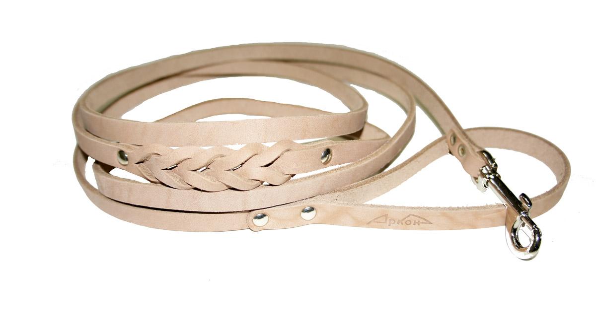 Поводок для собак Аркон Стандарт, цвет: бежевый, ширина 0,8 см, длина 250 смп8дПоводок для собак Аркон Стандарт изготовлен из высококачественной натуральной кожи и украшен декором в виде плетения. Карабин выполнен из легкого сверхпрочного сплава. Изделие отличается не только исключительной надежностью и удобством, но и привлекательным современным дизайном.Поводок - необходимый аксессуар для собаки. Ведь в опасных ситуациях именно он способен спасти жизнь вашему любимому питомцу. Иногда нужно ограничивать свободу своего четвероногого друга, чтобы защитить его или себя от неприятностей на прогулке. Длина поводка: 250 см.Ширина поводка: 0,8 см.