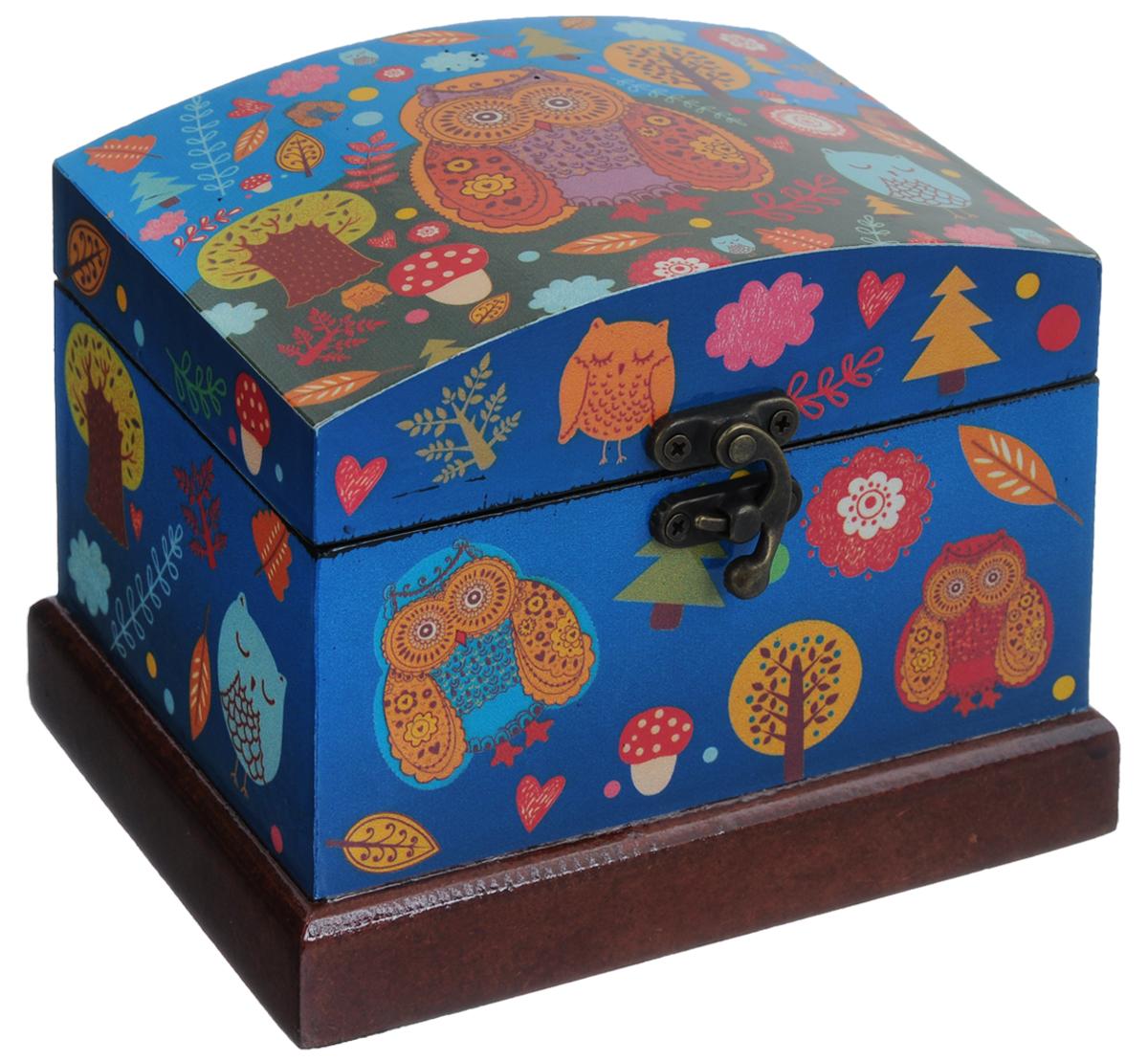 Шкатулка декоративная Феникс-Презент Совы, 16 х 12 х 12 см40152Декоративная шкатулка Феникс-Презент Совы идеально подойдет для хранения бижутерии, принадлежностей для шитья, различных мелочей и безделушек. Изделие выполнено из МДФ, декорировано оригинальным рисунком. Закрывается на металлический курковый замок.Такая шкатулка станет отличным подарком человеку, ценящему необычные и стильные аксессуары.