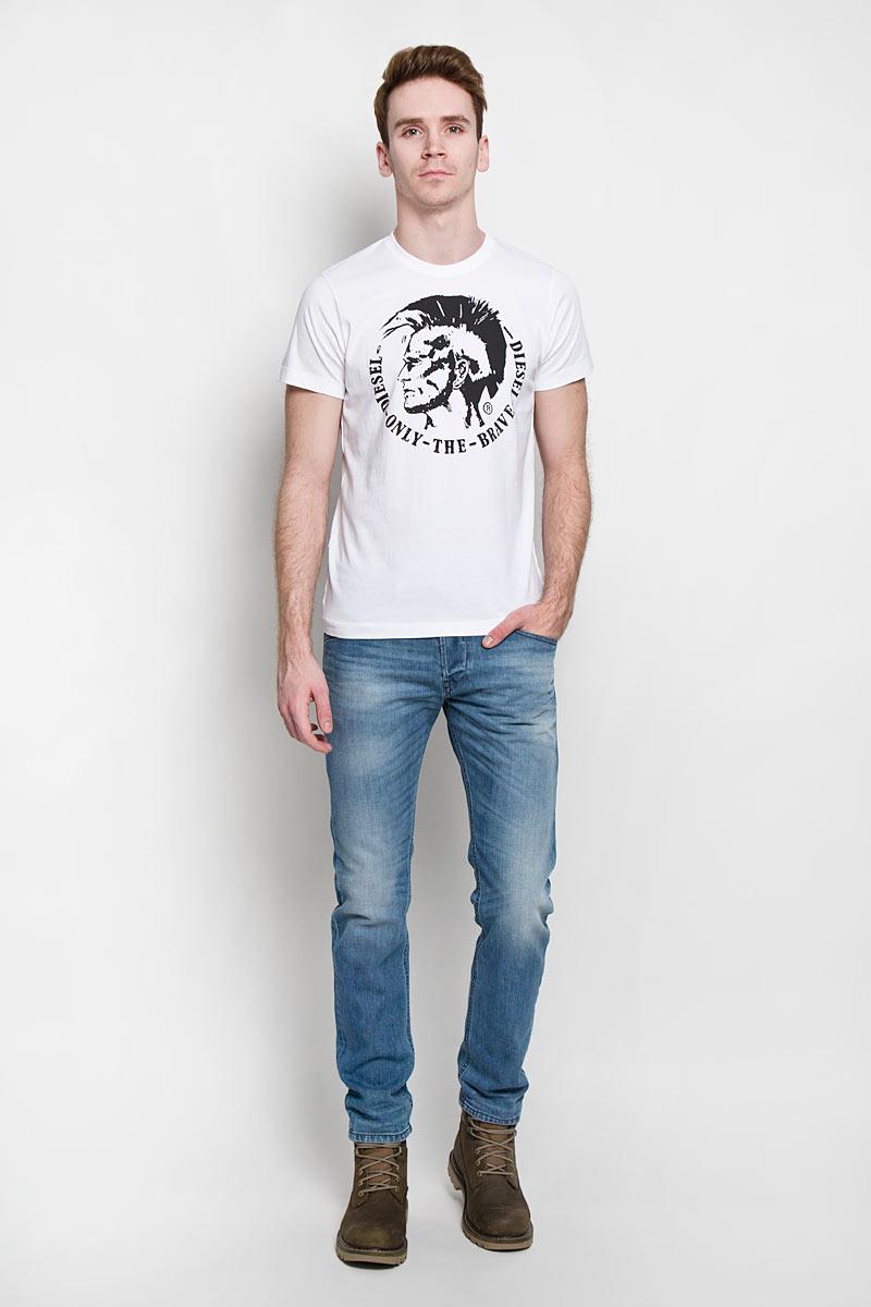 Футболка мужская Diesel, цвет: белый. 00SFFC_0JAIL/100. Размер XL (52)00SFFC_0JAILСтильная мужская футболка Diesel - идеальное решение для повседневной носки.Эта практичная, приятная на ощупь модель, выполненная из 100% хлопка,прекрасно пропускающей воздух, она позволит вам чувствовать себя уверенно илегко. Удобный крой обеспечивает свободу движений. Лицевая сторона футболкиоформлена оригинальным принтом.Такая футболка - идеальный вариант длясоздания эффектного образа.
