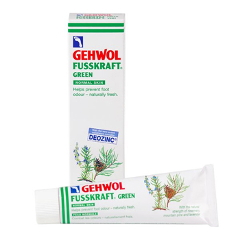 Gehwol Fusskraft Green - Зеленый бальзам для ног 75 мл1*10105Средство Зеленый бальзам Геволь Фусскрафт (Gehwol Fusskraft Grun) содержит уравновешивающие дезинфицирующие активные вещества, предотвращающие грибковые заболевания ног, появление ощущения зуда и возникновение шелушения между пальцами ног. Происходит нормализация процессов потоотделения и пресекается разложение выделяемого пота. Ноги будут оставаться свежими, без неприятного запаха, восстановится их эластичность.Производится из таких натуральных ингредиентов, как розмарин, горная сосна и лаванда. В средство Зеленый бальзам Геволь Фусскрафт включены натуральные эфирные масла, оживляющая кровообращение камфара и охлаждающий ментол, которые сразу же снимают ощущение жжения и облегчают боли в ногах. Ногам возвращаются прежние силы.Проверено по дерматологическим показателям. Благоприятно применение при заболевании диабетом.Назначение:Придаёт ногам свежесть, мягкость и избавляет от неприятного запаха.Нормализует потоотделение.Разложение уже выделенного пота прекращается.Натуральные эфирные масла, оживляющая кровообращение камфара и охлаждающий ментол в составе бальзама снимут ощущение жжения и облегчат боли в ногах.Активные компоненты: масло розмарина, лавандовое масло, масло лавандина, масло горной сосны, эвкалиптовое масло, камфара, ментол, климбазол, вода.