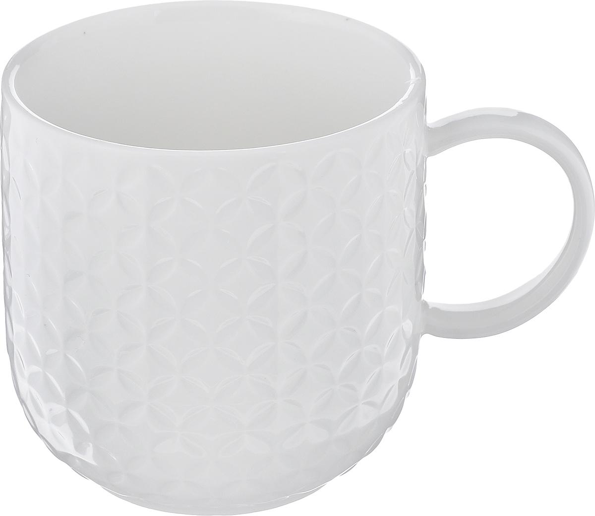Кружка Walmer Quincy, цвет: белый, 350 млW07520035Кружка Walmer Quincy изготовлена из высококачественного фарфора. Изделие оформлено изысканным рельефным орнаментом. Такая кружка прекрасно оформит стол к чаепитию и станет его неизменным атрибутом.Не рекомендуется применять абразивные моющие средства. Диаметр (по верхнему краю): 8 см. Высота: 8,5 см.