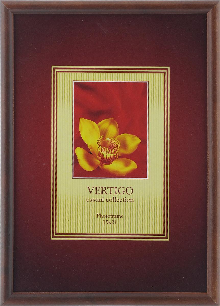 Фоторамка Vertigo Veneto, цвет: темно-коричневый, 15 см х 21 см12180 WF-019/180_темно-коричневыйФоторамка Vertigo Veneto выполнена в классическом стиле из натурального дерева и стекла, защищающего фотографию. Обратная сторона изделия оснащена двумя специальными отверстиями для подвешивания и специальной ножкой-подставкой. Такая фоторамка поможет вам оригинально и стильно дополнить интерьер помещения, а также позволит сохранить память о дорогих вам людях и интересных событиях вашей жизни.