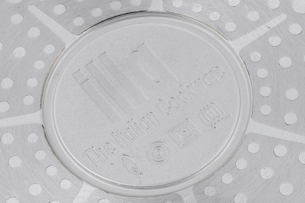 """Сковорода Illa """"Cook on Rock Induction"""" выполнена из кованого алюминия с уникальным антипригарным покрытием Whitford (вулканический камень). Такое покрытие безопасно для здоровья человека, в случае перегрева не выделяет опасных веществ, не содержит PFOA. Также к такому покрытию не прилипает пища. Эргономичная бакелитовая ручка не нагревается и приятная на ощупь. Сковорода имеет утолщенное дно, благодаря которому она подходит для всех видов плит, включая индукционные. Не подходит для использования в духовке. Можно мыть в посудомоечной машине. Диаметр сковороды: 28 см.Высота стенки сковороды: 5,5 см. Длина ручки: 19 см."""