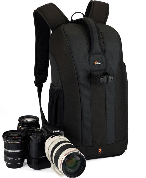 Lowepro Flipside 300, Black рюкзак для фотокамеры75626Рюкзак Lowepro Flipside 300 разработан для современных фотографов, которые находятся в постоянном движении. Доступ к оборудованию осуществляется через заднюю стенку, что дает возможность быстро достать камеру. Эргономичные регулируемые плечевые ремни обеспечивают удобство и комфорт при переноске даже полностью загруженного оборудованием рюкзака, поясной ремень значительно снижает нагрузку на спину. Есть небольшой внешний боковой карман, обеспечивающий быстрый доступ к картам памяти, дополнительным аккумуляторам и т.д. Передвижные перегородки позволяют организовать внутреннее пространство таким образом, чтобы можно было удобно поместить оборудование и аксессуары.Доступ со спины для защиты оборудования во время активного вида спортаВнутреннее отделение для камеры с уплотненными стенками и с ручками для переноса в рукахСъемный карман для аксессуаровМягкие ремни для плеч с дышащими отверстиямиКрепления SlipLockРегулируемые лямки для удобного ношенияВнутреннее отделение для камеры можно затянуть шнурком с фиксаторомФиксация на поясном ремнеВместимость: зеркальная фотокамера с объективом (до 70-200 мм f/2.8), 2-4 дополнительных объектива или вспышки, штатив, аксессуары