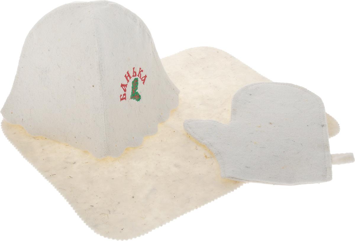 """Оригинальный набор для бани Proffi """"Банька""""  включает в себя шапку, рукавицу и  коврик. Изделия выполнены из войлока (шерсть с  добавлением полиэфира). Шапка оформлена  декоративной надписью """"Банька"""".  Шапка, рукавица и коврик - это незаменимые  аксессуары  для любителей попариться в русской бане и для  тех, кто предпочитает сухой жар финской бани.  Необычный дизайн изделий поможет сделать ваш  отдых приятным и разнообразным.  Шапка защитит волосы от сухости и ломкости,  голову от перегрева и предотвратит появление  головокружения. Рукавица обезопасит ваши руки от  появления ожогов, а коврик от высоких температур  при контакте с горячей лавкой в парилке.  На изделиях имеются петельки, с помощью которых  их можно повесить на крючок в предбаннике.   Такой набор станет отличным подарком  для любителей отдыха в бане или сауне.   Размер коврика: 44 х 35 см.  Обхват головы: 71 см.  Высота шапки: 24 см.  Размер рукавицы: 26 х 22 см."""