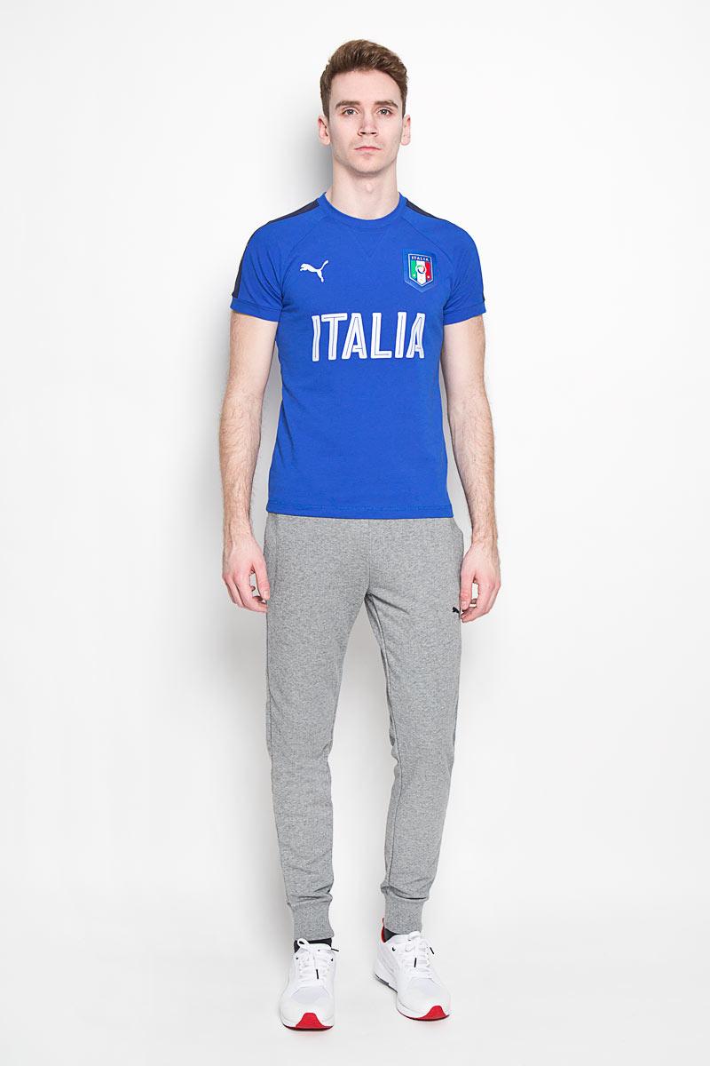 Футболка мужская Puma Figc Italia Casual, цвет: синий. 748856081. Размер L (48/50)7488560_81Стильная футболка Puma FIGC Italia Casual из хлопка и полиэстера с контрастнойотделкой и официальной графической эмблемой FIGC позволит почувствоватьсебя комфортно на тренировке и всегда быть готовым к победам.Модель с круглым вырезом горловины и рукавами-реглан дополненасветоотражающими элементами. Спинка изделия немного удлинена.Эта линия одежды - олицетворение страсти поклонников, влюбленных в успех итрадиции итальянского футбола.