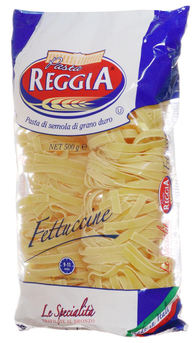 Pasta Reggia Гнезда широкие макароны, 500 г8008857406145Pasta Reggia предлагает сегодня российскому рынку более 70 видов длинных, коротких и специальных форматов произведенных пусть и на самом современном оборудовании, но по классическим рецептам неаполитанской кухни Юга Италии.Pasta Reggia Гнезда - это качественный продукт, приготовленный из муки высшего качества твердых сортов пшеницы, благодаря чему имеет прекрасные свойства при варке - они, в отличие от других макарон, очень хорошо держат форму и не развариваются.Pasta Reggia - Искусство на столе.