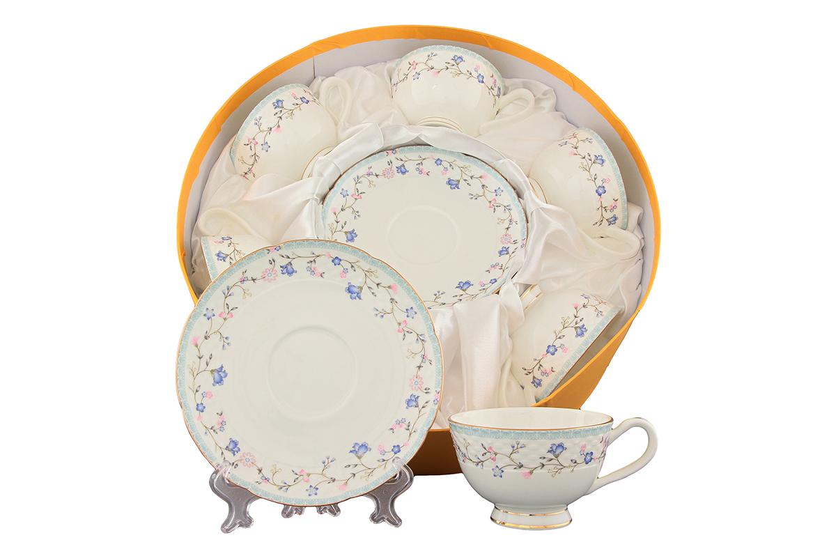 Набор чайный Elan Gallery Нежное утро, 12 предметов530047Чайный набор Elan Gallery Нежное утро состоит из 6 чашек и 6 блюдец. Изделия, выполненные из высококачественной керамики, украшены изысканным изображением цветов и декорированы золотистой каймой.Такой набор прекрасно подойдет как для повседневного использования, так и дляпраздников. Чайный набор Elan Gallery Нежное утро - это не только яркий и полезный подарок для родных и близких, это также великолепное дизайнерское решение для вашей кухни или столовой. Не рекомендуется применять абразивные моющие средства.Не использовать в микроволновой печи.Объем чашки: 230 мл. Диаметр чашки (по верхнему краю): 10 см. Высота чашки: 6,4 см.Диаметр блюдца (по верхнему краю): 16 см.Высота блюдца: 2 см.