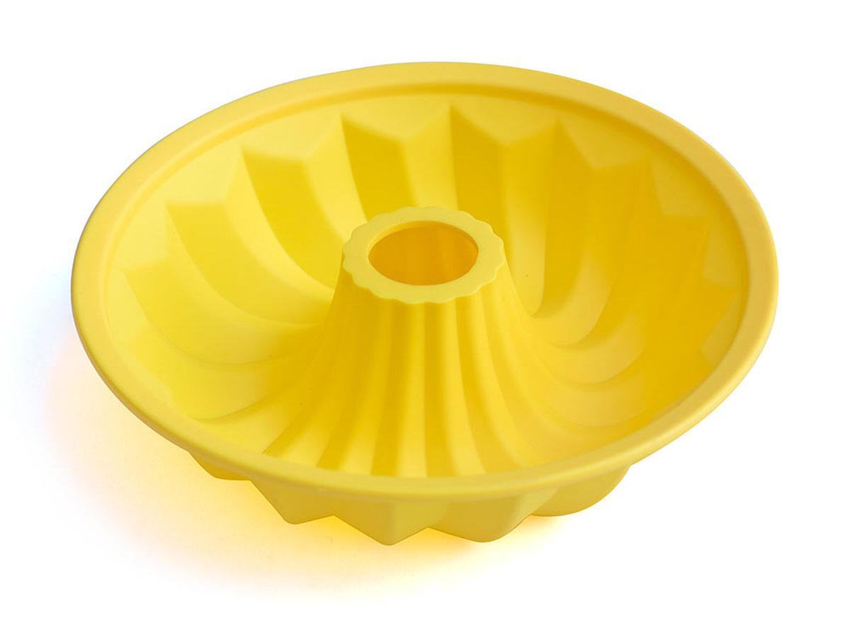 Форма для выпечки Calve, силиконовая, цвет: желтый, диаметр 26 смCL-4549Форма для выпечки Calve круглой формы и изготовлена из высококачественного силикона. Стенки формы легко гнутся, что позволяет легко достать готовую выпечку и сохранить аккуратный внешний вид блюда. Изделия из силикона очень удобны в использовании: пища в них не пригорает и не прилипает к стенкам, форма легко моется. Приготовленное блюдо можно очень просто вытащить, просто перевернув форму, при этом внешний вид блюда не нарушится. Изделие обладает эластичными свойствами: складывается без изломов, восстанавливает свою первоначальную форму. Порадуйте своих родных и близких любимой выпечкой в необычном исполнении. Подходит для приготовления в микроволновой печи и духовом шкафу при нагревании до +230°С; для замораживания до -40°.Размер формы: 26 х 26 х 7 см.