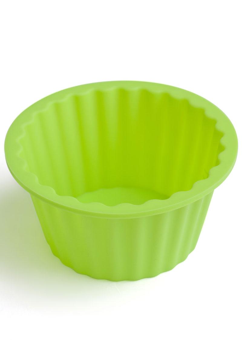 Форма для выпечки Calve, силиконовая, цвет: салатовый, диаметр 18 смCL-4551Форма для выпечки Calve круглой формы и изготовлена из высококачественного силикона. Стенки формы легко гнутся, что позволяет легко достать готовую выпечку и сохранить аккуратный внешний вид блюда. Изделия из силикона очень удобны в использовании: пища в них не пригорает и не прилипает к стенкам, форма легко моется. Приготовленное блюдо можно очень просто вытащить, просто перевернув форму, при этом внешний вид блюда не нарушится. Изделие обладает эластичными свойствами: складывается без изломов, восстанавливает свою первоначальную форму. Порадуйте своих родных и близких любимой выпечкой в необычном исполнении. Подходит для приготовления в микроволновой печи и духовом шкафу при нагревании до +230°С; для замораживания до -40°.Размер формы: 18 х 18 х 9 см.