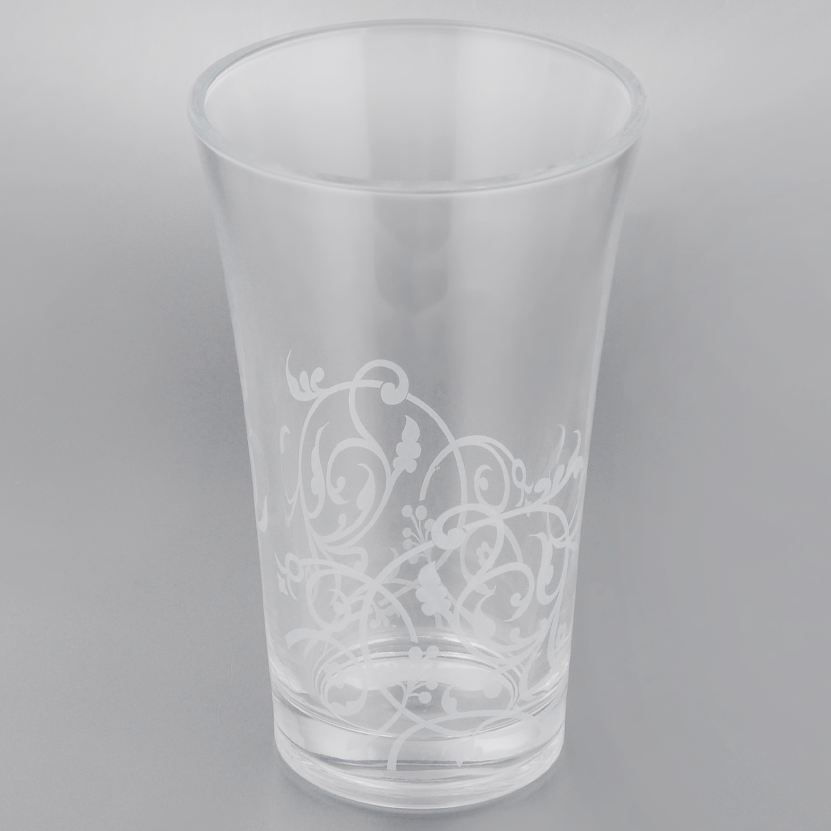 Ваза Cristal dArques Floriday, высота 20 смH8699Ваза Cristal dArques Floriday выполнена из прочного высококачественного стекла Diamax, материала высшего качества, разработанного специально для марки Cristal dArques. Все коллекции, выполненные из этого стекла, отличаются высокой стойкостью к ударам при ежедневном использовании, безукоризненной прозрачностью и великолепным сиянием. Изделие декорировано узором, имеет гладкие прозрачные стенки и утолщенное дно.Ваза Cristal dArques Floriday сочетает в себе изысканный дизайн с максимальной функциональностью. Она не только украсит дом и подчеркнет ваш прекрасный вкус, но и станет отличным подарком.Высота: 20 см.Диаметр вазы (по верхнему краю): 12,5 см.Диаметр основания: 8,5 см.