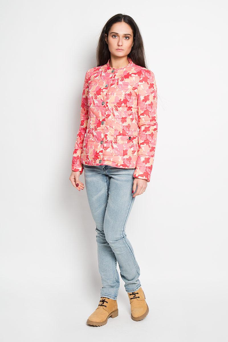 Куртка женская Finn Flare, цвет: розовый, персиковый. B16-32039. Размер M (46)B16-32039Удобная женская куртка Finn Flare согреет вас в прохладную погоду и позволит выделиться из толпы. Модель с длинными рукавами и круглым вырезом горловины выполнена из прочного нейлона с подкладкой из полиэстера и синтепоновым наполнителем, и застегивается на кнопки. Куртка оформлена красочным цветочным принтом и дополнена двумя втачными карманами на кнопках спереди.Эта модная и в то же время комфортная куртка - отличный вариант для прогулок, она подчеркнет ваш изысканный вкус и поможет создать неповторимый образ.