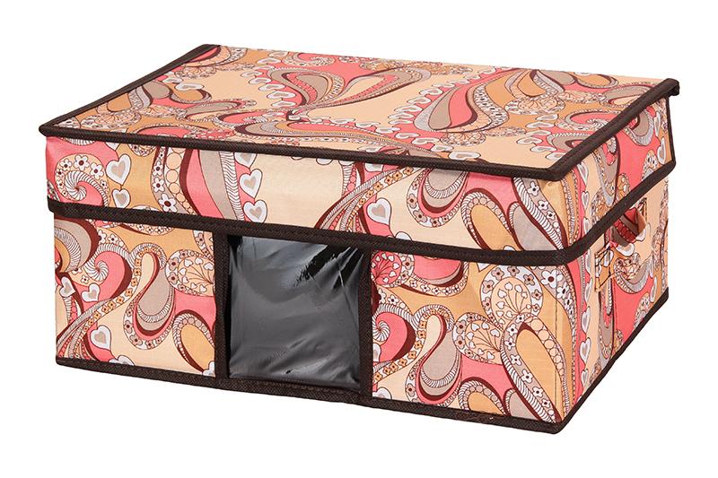 Кофр для хранения El Casa Узоры с сердечками, складной, 35 х 25 х 16 см840101Компактный складной кофр El Casa Узоры с сердечками изготовлен из высококачественного полиэстера, который обеспечивает естественную вентиляцию, позволяя воздуху проникать внутрь, но не пропуская пыль. Вставка и стенки из плотного картона хорошо держат форму. Кофр оснащен 2 удобными ручками, которые позволяют использовать его в качестве выдвижного ящика в гардеробе или шкафу. Изделие закрывается откидной крышкой. Прозрачная вставка из ПВХ позволяет легко просматривать содержимое. Оригинальный дизайн сделает вашу гардеробную красивой и невероятно стильной.Размер кофра (в собранном виде): 35 х 25 х 16 см.