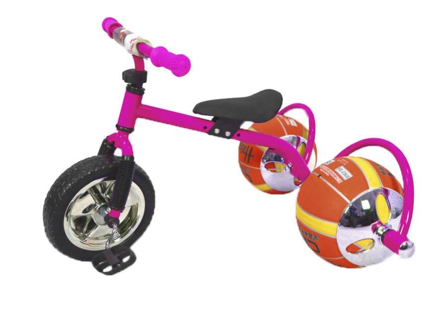 Bradex Велосипед детский Баскетбайк цвет розовыйDE 0106Велосипед Bradex - одно из самых простых и вместе с тем совершенных изобретений человечества. О своем велосипеде мечтает каждый ребенок. Что может сделать его лучше? Только мяч в виде колеса! Почему бы не совместить все лучшее в спорте в одном предмете? Удобно, практично, не занимает много места, а главное - надежно. Угнать такой байк - невозможно. Пока ваш ребенок играет с друзьями в мяч, его велосипед будет в полной безопасности. Средство передвижения выдерживает до 30 килограмм и подарит малышу множество счастливых спортивных часов. Увлеченный игрой он и не заметит, как улучшится работа легких, ноги станут более натренированными, улучшится координация, а сам он приобретет полезную привычку – заниматься спортом, которая улучшит его жизнь. Подарите своему ребенку шанс на здоровое, счастливое будущее. Увлеките его спортом, с помощью оригинального велосипеда с мячами вместо колес!Какой велосипед выбрать? Статья OZON Гид