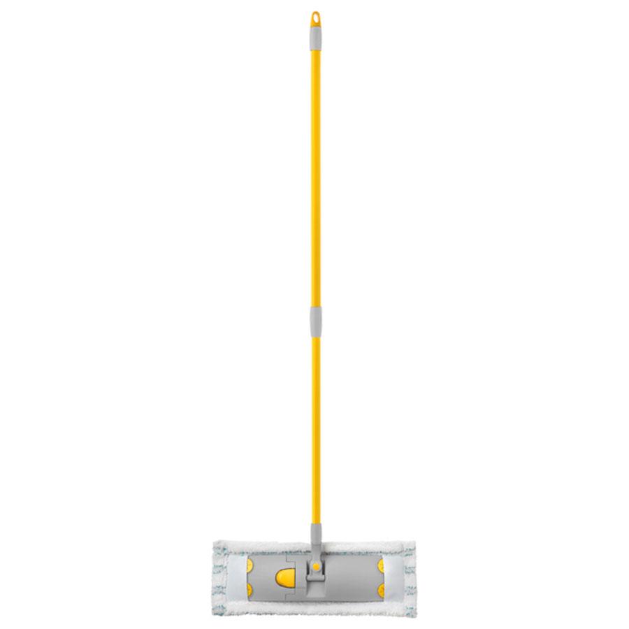 Швабра Apex Flat Mop, с телескопической ручкой, 83-140 см10190-A_желтый,серыйШвабра Apex Flat Mop предназначена для сухой и влажной уборки в доме и удобна в использовании благодаря подвижному креплению ручки к моющей платформе с насадкой.Сменная насадка выполнена из микрофибры, которая впитывает воду и грязь подобно губке, легко удаляет пыль, не оставляя разводов и ворсинок. Такая насадка позволит вам использовать во время уборки меньшее количество чистящих средств. Она подходит для всех видов гладких полов из плитки, паркета, ламината и камня. Швабра оснащена удобной металлической телескопической ручкой с подвижной частью и фиксацией, которая позволяет использовать ее в труднодоступных местах. На конце ручки имеется специальная петля, благодаря которой швабру можно подвесить в любом удобном месте.Платформа швабры выполнена из высокопрочного пластика и может двигаться под любым углом, на любой плоскости. Подвижная платформа позволяет вымыть полы, не отодвигая крупногабаритную мебель, протереть стены от пыли за шкафами.Длина ручки: 83-140 см.Размер насадки: 45 х 15 см.