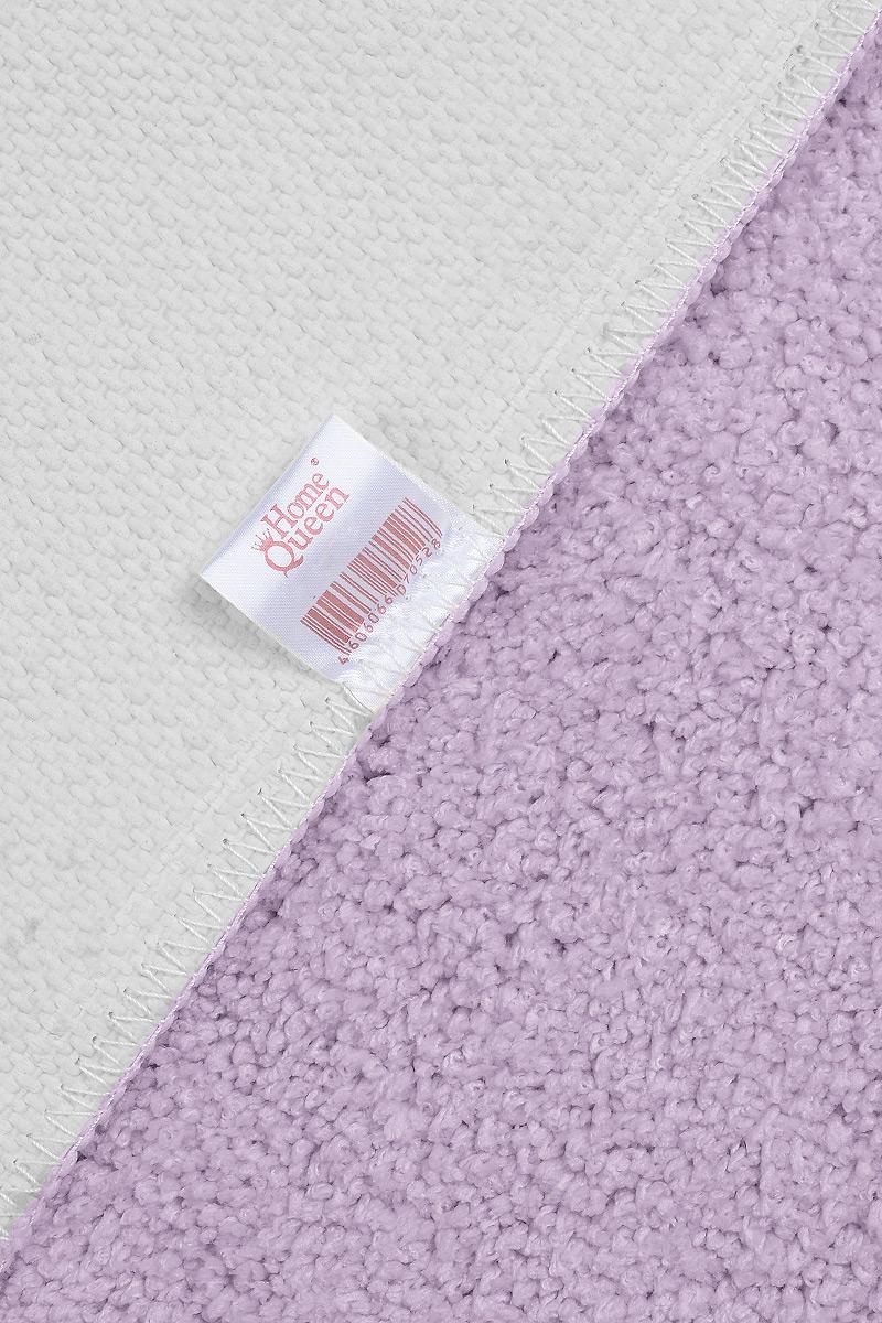 """Коврик для ванной """"Home Queen"""" изготовлен из микрофибры с латексной основой. Волокно микрофибры превосходно впитывает влагу и создает комфортное, мягкое покрытие. Коврик, выполненный в однотонном сочном цвете, создаст уют и комфорт в ванной комнате. Длинный ворс мягко соприкасается с кожей стоп, вызывая только приятные ощущения. Рекомендации по уходу: - стирать в ручном режиме, - не использовать отбеливатели, - не гладить."""