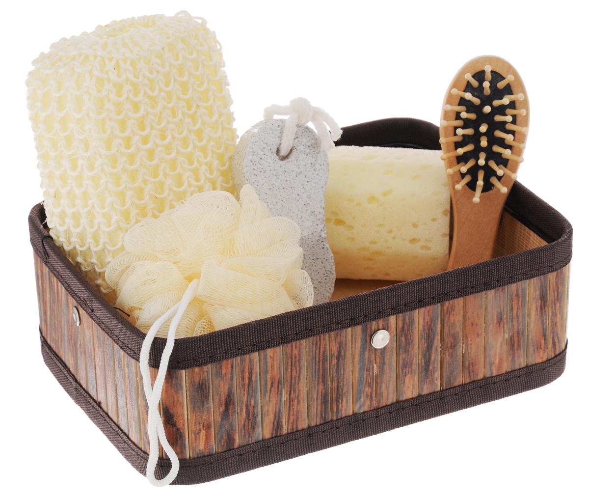 Набор для ванной и бани Феникс-Презент Чистюля, 6 предметов40633Набор для ванной и бани Феникс-презент Чистюля включает: - массажная щетка для волос из древесины павловнии, - мочалка для купания из сизаля, - мочалка для купания из полиэтилена, - губка для купания из поролона, - пемза для ухода за кожей,- коробка из бамбука. Такой мини-набор станет не заменимым и сделает банную процедуру еще более комфортной и расслабляющей. Размер мочалки из сизаля: 14 х 9 х 4,5 см. Диаметр мочалки из полиэтилена: 9,5 см. Диаметр губки для купания: 6 см.Размер щетки для волос: 12 х 4 х 2,3 см.Размер коробки: 22,1 х 16,1 х 7,2 см.Размер пемзы: 9,5 х 4,2 х 1,5 см.