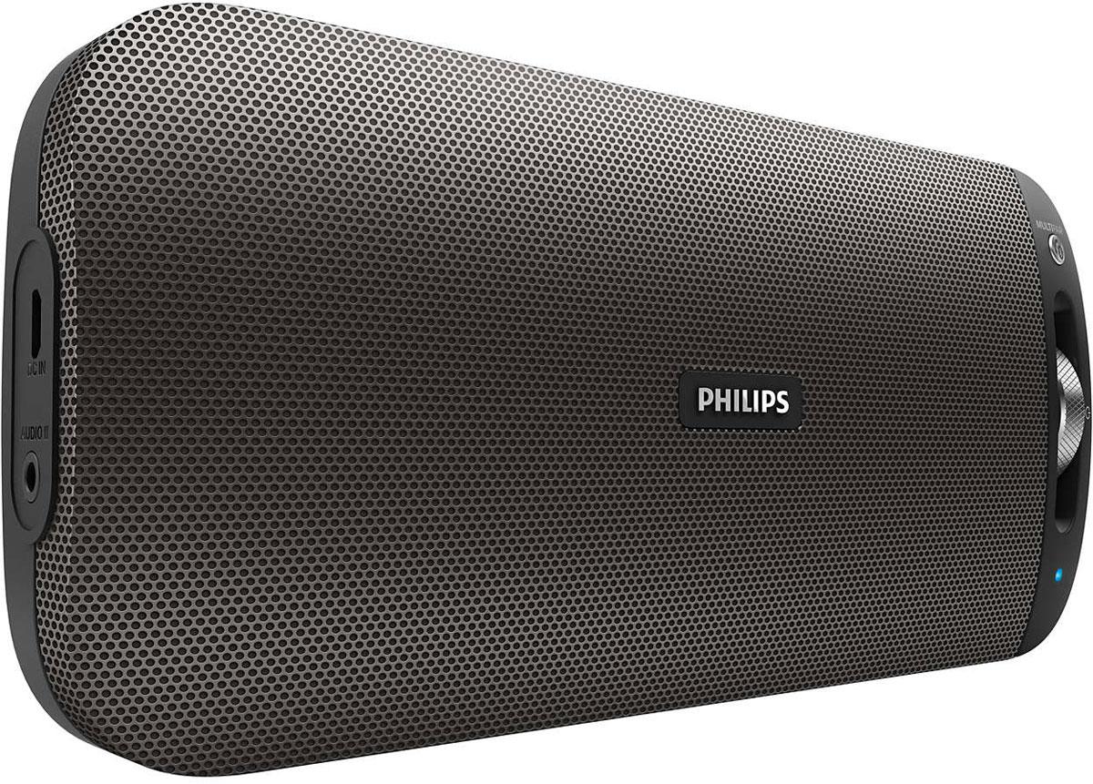 Philips BT3600B/00, Black портативная акустическая системаBT3600B/00Philips BT3600B/00 - великолепный звук в невероятно тонком исполнении. Встроенная технология NFC позволяет выполнять сопряжение одним касанием, а благодаря функции Bluetooth Multipair можно мгновенно обмениваться музыкой между двумя устройствами. Bluetooth — надежная и энергоэффективная технология беспроводной связи малого радиуса действия, которая позволяет с легкостью подключать iPod/iPhone/iPad и другие Bluetooth-устройства, например смартфоны, планшетные компьютеры и ноутбуки. Теперь вы сможете без проводов воспроизводить на этой акустической системе любимую музыку и звук во время игр или просмотра видео. Функция антиклиппинга позволит вам даже при низком заряде батареи слушать музыку высокого качества на любой громкости. Она позволяет работать с входными сигналами от 300 мВ до 1000 мВ и воспроизводить звук без искажений. АС оснащены специальным микрочипом для антиклиппинга. Это дает возможность воспроизводить музыкальный сигнал так, как он проходит через усилитель, и сохранять пиковые значения в пределах диапазона усилителя. При этом устраняются искажения звука, вызванные ограничениями, без влияния на громкость. При низком уровне заряда батареи снижается возможность воспроизводить пиковые значения в музыке, но функция антиклиппинга снижает сами пиковые значения при разряде батареи. Технология NFC (Near Field Communications) позволяет выполнять подключение устройств по Bluetooth одним касанием. Поднесите смартфон или планшетный ПК с поддержкой NFC к АС и коснитесь поля NFC, чтобы включить систему. Установите Bluetooth-подключение и запустите потоковую передачу музыки. Выполняйте сопряжение одновременно с двумя смарт-устройствами и выбирайте любое из них для передачи музыки, без необходимости выполнения повторного сопряжения. Чтобы включить композицию на другом устройстве, приостановите воспроизведение на первом устройстве и включите его на втором. Идеальное решение для совместного прослушивания 