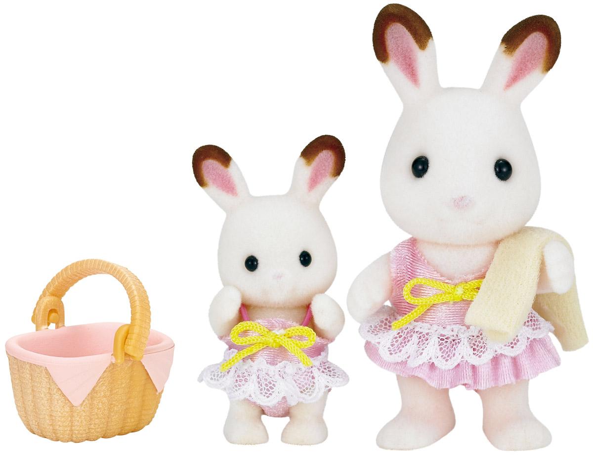 Sylvanian Families Набор фигурок Кролики в купальных костюмах