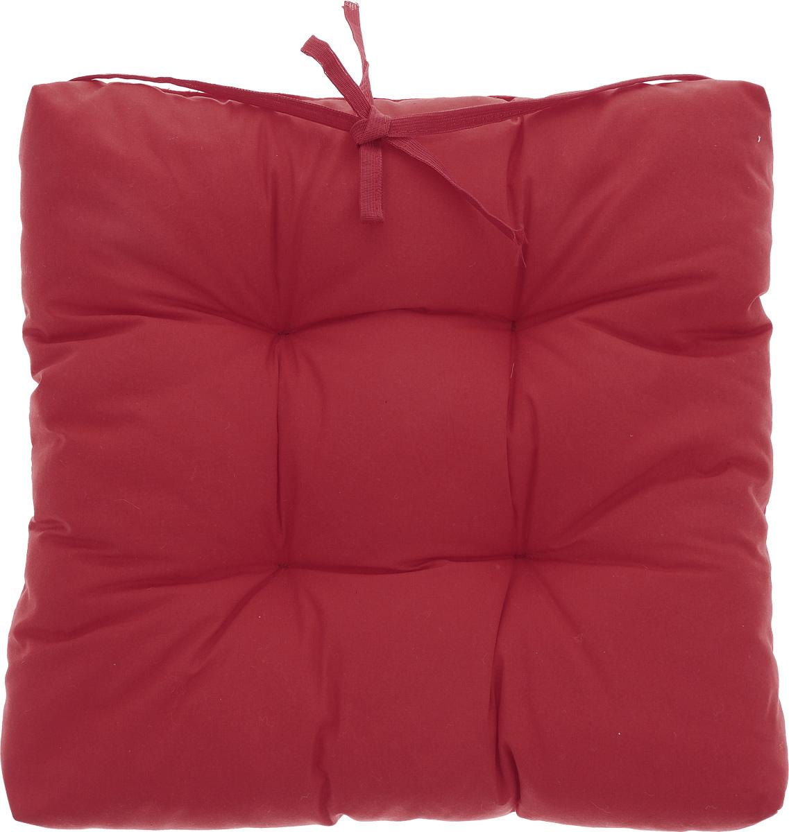 Подушка на стул Eva, объемная, цвет: красный, 40 х 40 смЕ064_красныйПодушка Eva, изготовленная из хлопка, прослужит вам не один десяток лет. Внутри - мягкий наполнитель из полиэстера. Стежка надежно удерживает наполнитель внутри и не позволяет ему скатываться. Подушка легко крепится на стул с помощью завязок. Правильно сидеть - значит сохранить здоровье на долгие годы. Жесткие сидения подвергают наше здоровье опасности. Подушка с наполнителем из полиэстера поможет предотвратить многие беды, которыми грозит сидячий образ жизни.