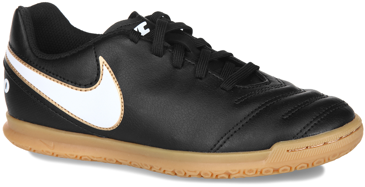 Бутсы для мальчика Nike Tiempo Rio III IC, цвет: черный, белый, золотистый. 819196-010. Размер 37 nexo knights jestros volcano lair combination marvel building blocks kits toys compatible legoe nexus