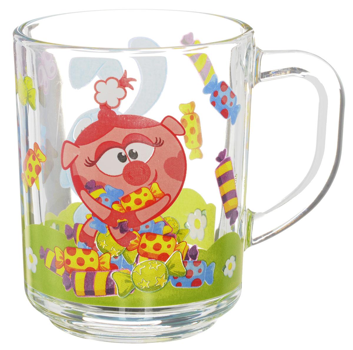 Смешарики Кружка детская Конфеты 250 млСШК250-1Детская кружка Смешарики Конфеты с любимыми героями станет отличным подарком для вашего ребенка. Она выполнена из стекла и оформлена изображением героев мультсериала Смешарики. Кружка дополнена удобной ручкой. Такой подарок станет не только приятным, но и практичным сувениром: кружка будет незаменимым атрибутом чаепития, а оригинальное оформление кружки добавит ярких эмоций и хорошего настроения.Можно мыть в посудомоечной машине.