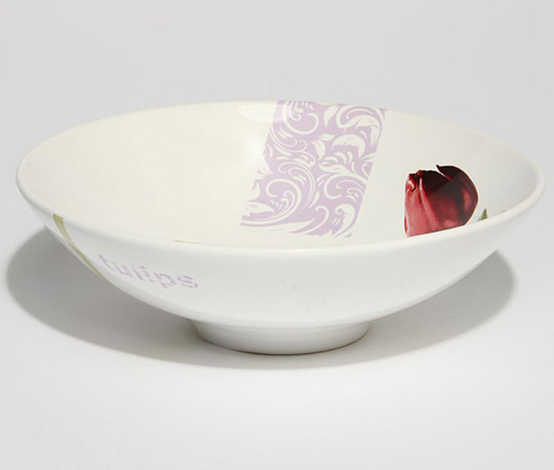 Салатник Ceramiche Viva Тюльпаны, диаметр 20 см79917Оригинальный салатник Ceramiche Viva Тюльпаны, изготовленный из высококачественной керамики, сочетает в себе изысканный дизайн с максимальной функциональностью. Он идеально подходит для сервировки стола и подачи закусок, солений и других блюд. Такой салатник прекрасно впишется в интерьер вашей кухни и станет достойным подарком к любому празднику. Диаметр салатника (по верхнему краю): 20 см.Высота: 9 см.