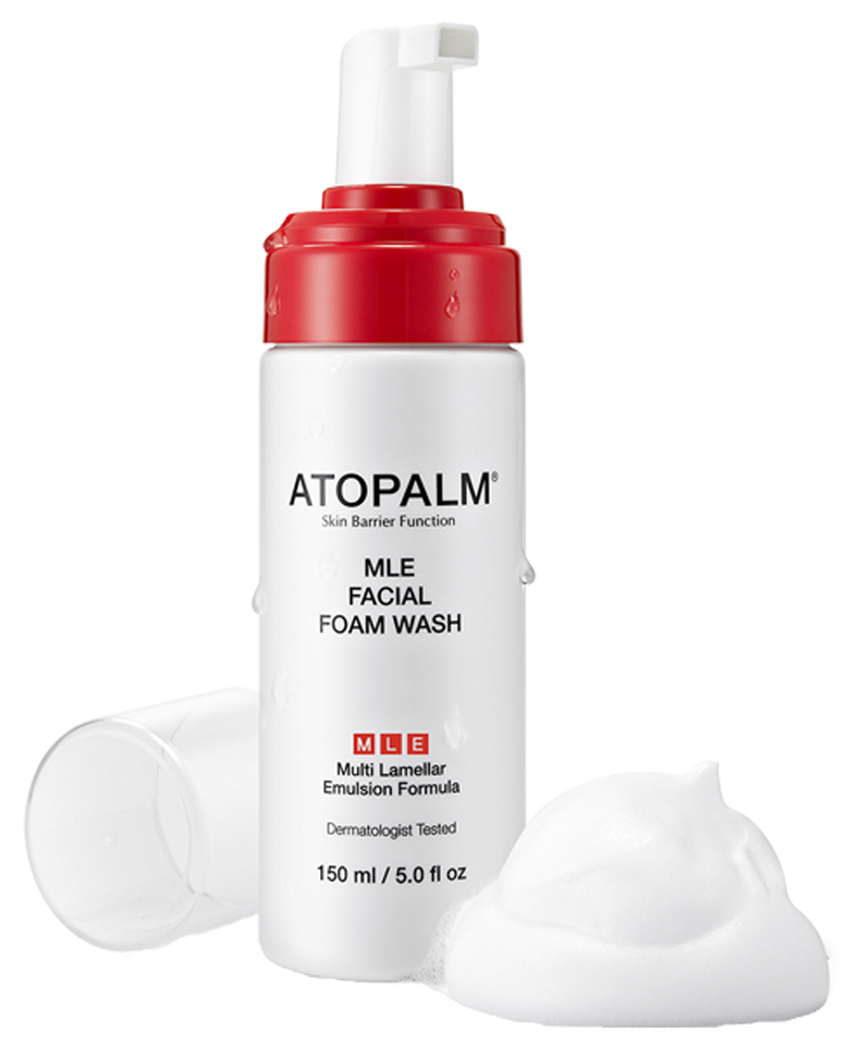 Atopalm Пенка для умывания, 150 мл8809048412606Инновационная запатентованная формула МЛЕ (многослойная эмульсия) с псевдодермальным липидным комплексом, повторяющим строение липидных слоев кожи, направлена на восстановление и усиление её барьерной функции.Свойства:бережно очищает кожу, придавая чистоту и свежесть;поддерживает оптимальный уровень увлажненности; обладает антибактериальным свойством; снимает раздражение и покраснение; подходит для чувствительной кожи.
