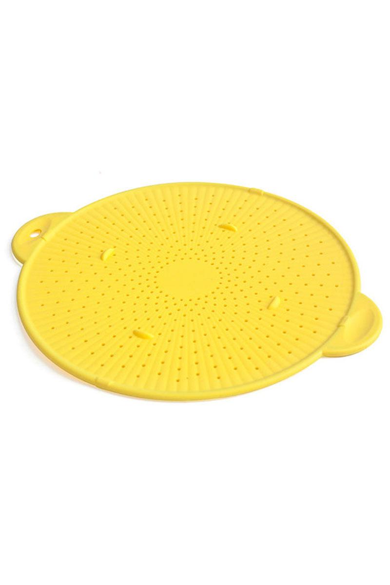 Экран многофункциональный Calve, силиконовый, цвет: желтый, диаметр 28 смCL-4556Многофункциональный экран Calve выполнен из силикона. Его универсальность заключается в том, что он может являться как подставкой под горячее, так и экраном от брызг во время готовки, приспособлением для слива жидкости из посуды, а также формой для выпечки пиццы и печенья. Прочная конструкция с ободком из металла не прогибается. Экран Calve подходит для использования в духовых шкафах без использования режима Гриль, морозильных камерах и для мытья в посудомоечной машине. Экран выдерживает температуру от - 40°С до 230°С.Диаметр экрана: 28 см.