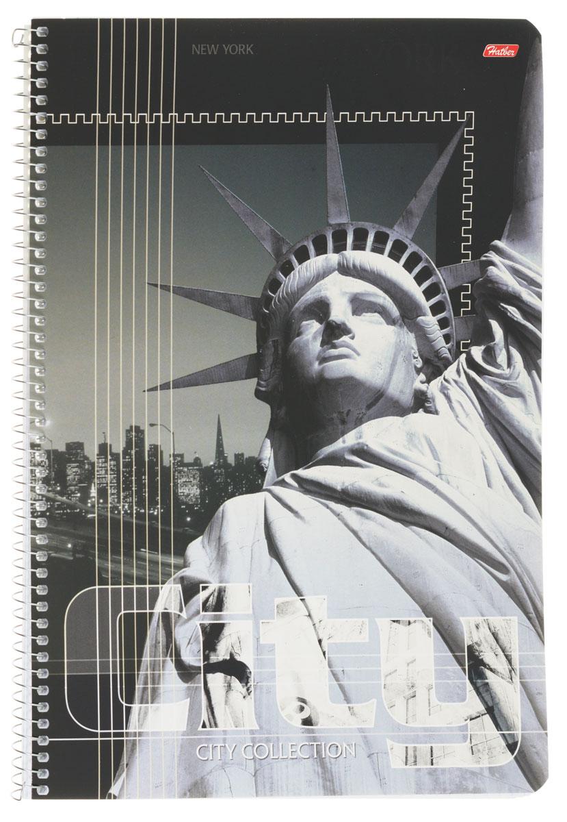 Hatber Тетрадь City Collection New York 80 листов в клетку80Т4вмB1сп_ParisТетрадь Hatber City Collection. New York отлично подойдет для занятий как школьнику старших классов, так и студенту.Стильная обложка в серых тонах с изображением статуи Свободы, выполненная из плотного мелованного картона, позволит сохранить тетрадь в аккуратном состоянии на протяжении всего времени использования.Внутренний блок тетради, соединенный металлической спиралью, состоит из 80 листов белой бумаги в голубую клетку без полей.