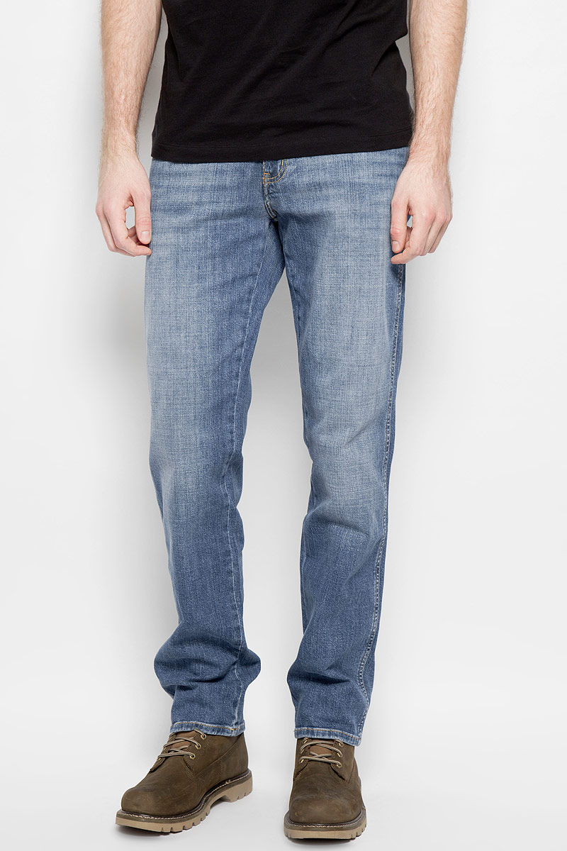 Джинсы мужские Wrangler, цвет: синий. W1219237X. Размер 33-32 (48/50-32) свитшот print bar любимый муж и самый лучший папа