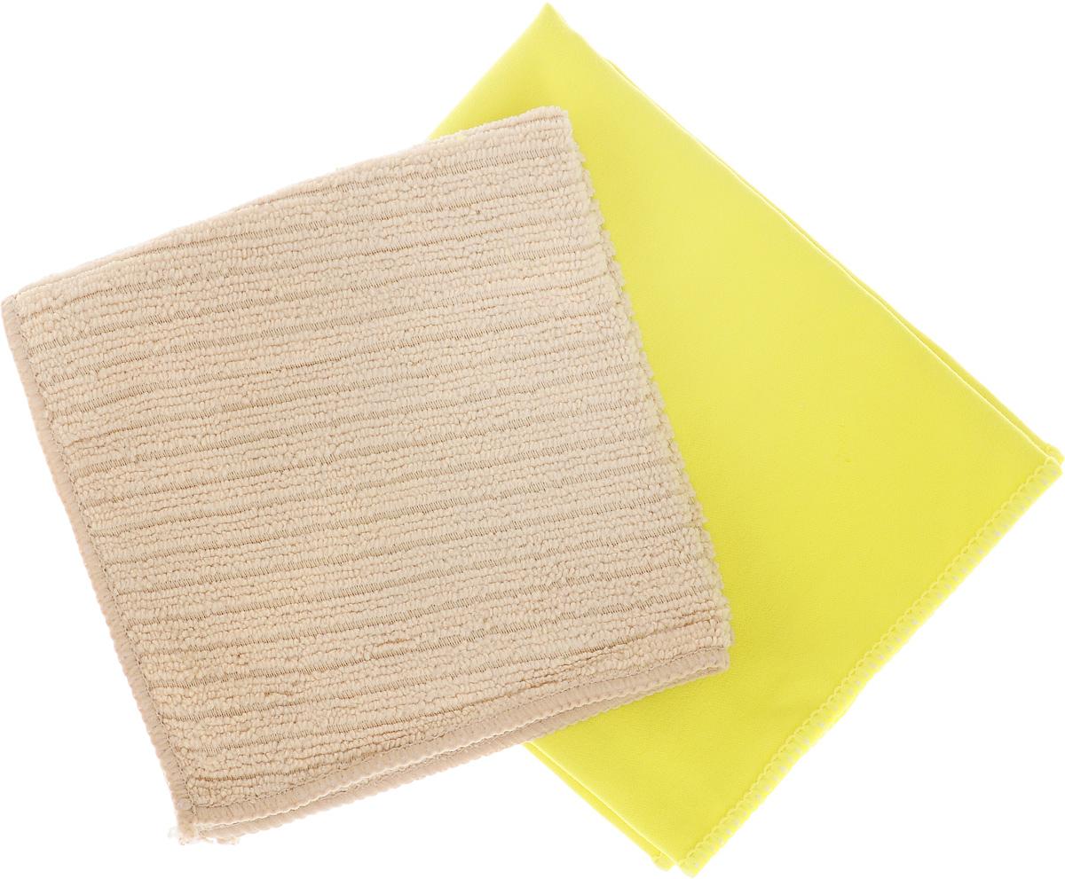 Набор салфеток для мытья и полировки автомобиля Sapfire Cleaning Cloth & Suede, цвет: желтый, бежевый, 35 х 40 см, 2 штSFM-3069_желтый, бежевыйНабор многофункциональных салфеток Sapfire Cleaning Cloth & Suede выполнен из микрофибры и искусственной замши. Каждая нить после специальной химической обработки расщепляется на 12-16 клиновидных микроволокон. Микрофибровое полотно удаляет грязь с поверхности намного эффективнее, быстрее и значительно более бережно в сравнении с обычной тканью, что существенно снижает время на проведение уборки, поскольку отсутствует необходимость протирать одно и то же место дважды. Набор обладает уникальной способностью быстро впитывать большой объем жидкости. Клиновидные микроскопические волокна захватывают и легко удерживают частички пыли, жировой и никотиновый налет, микроорганизмы, в том числе болезнетворные и вызывающие аллергию. Нежная текстура искусственной замши идеально подходит для сухой протирки деликатных поверхностей. Салфетка великолепно удаляет пыль и грязь. Протертая поверхность становится идеально чистой, сухой, блестящей, без разводов и ворсинок. Микрофибра устойчива к истиранию, ее можно быстро вернуть к первоначальному виду с помощью машинной стирки при малом количестве моющих средств. Салфетку из замши использовать только в сухом виде. Тканевую салфетку, как в сухом так и во влажном виде.Состав салфеток: полиэстер (85%), полиамид (15%).Размер салфеток: 35 х 40 см.