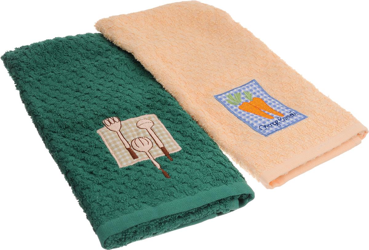 """Набор полотенец Bonita """"Морковь. Столовые приборы"""", изготовленный из натурального хлопка, идеально дополнит интерьер вашей кухни и создаст атмосферу уюта и комфорта. В набор входят два махровых полотенца, оформленных вышивкой в виде моркови и столовых приборов.Изделия выполнены из натурального материала, поэтому являются экологически чистыми. Высочайшее качество материала гарантирует безопасность не только взрослых, но и самых маленьких членов семьи. Кухня, столовая, гостиная - то место в доме, где хочется собраться всем вместе, ощутить радость и уют. И немалая доля этого уюта зависит от подобранных под вашу мебель, и что уж говорить, под ваше настроение полотенец, скатертей, салфеток и прочих милых мелочей. """"Bonita"""" предлагает коллекции готовых стилистических решений для различной кухонной мебели, множество видов, рисунков и цветов. Вам легко будет создать нужную атмосферу на кухне и в столовой с товарами """"Bonita""""."""
