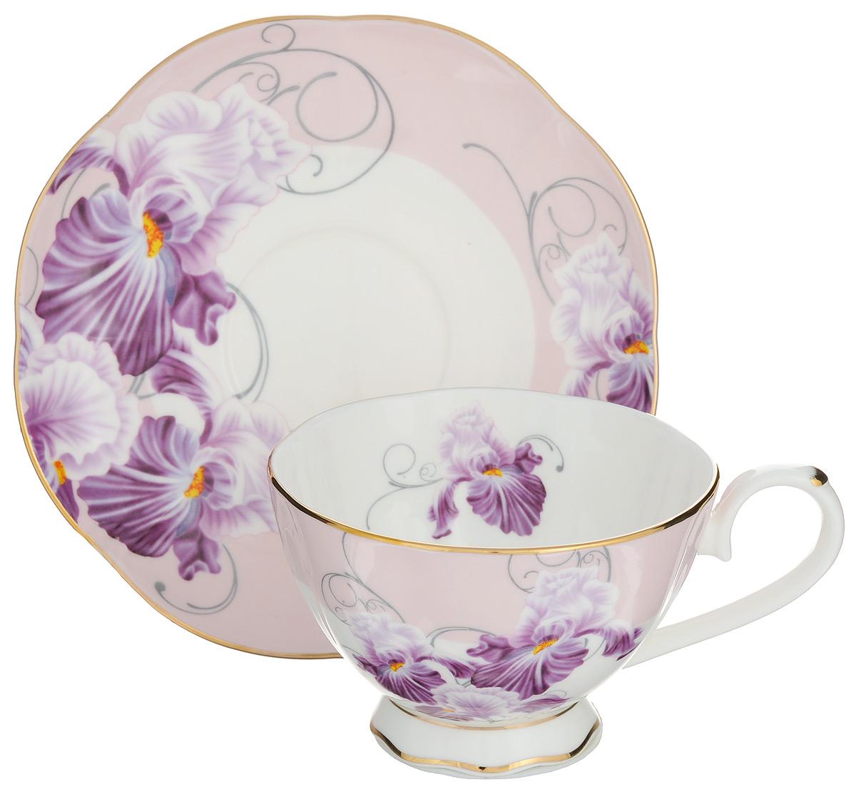 Чайная пара Elan Gallery Ирисы, 2 предмета530033Чайная пара Elan Gallery Ирисы состоит из чашки и блюдца, изготовленных из керамики высшего качества, отличающегося необыкновенной прочностью и небольшим весом. Яркий дизайн, несомненно, придется вам по вкусу.Чайная пара Elan Gallery Ирисы украсит ваш кухонный стол, а также станет замечательным подарком к любому празднику.Не рекомендуется применять абразивные моющие средства. Не использовать в микроволновой печи.Объем чашки: 230 мл.Диаметр чашки (по верхнему краю): 10 см.Высота чашки: 7 см.Диаметр блюдца (по верхнему краю): 16 см.Высота блюдца: 2 см.
