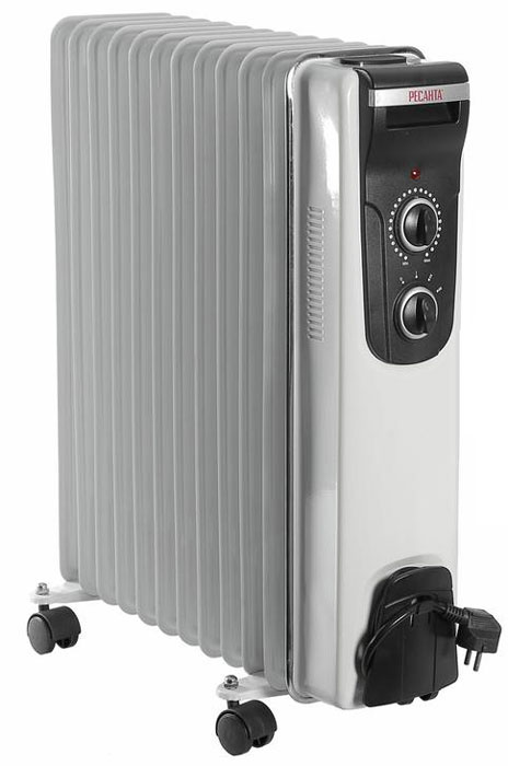 Ресанта ОМ-12Н (2,5 кВт) напольный радиатор67/3/9Масляный обогреватель Ресанта ОМ-12Н оснащен термостатом, измеряющим температуру масла. Температура задается поворотом ручки регулировки. На минимальном положении ручки работает режим антизамерзания. То есть радиатор будет включаться только для того, чтобы сохранить в помещении температуру не менее 0° по Цельсию.