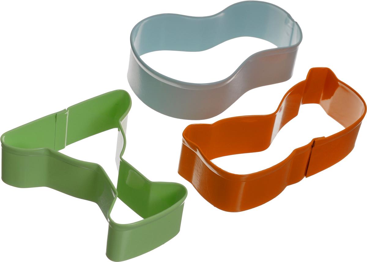 Набор форм для вырезания печенья Wilton Лето, 3 штWLT-2308-0993Набор Wilton Лето состоит из 3 разноцветных форм, изготовленных из высококачественного металла. Изделия можно использовать для вырезания печенья, сладких украшений, бутербродов, а также их можно использовать как трафареты для поделок и с не пищевыми материалами. Формы выполнены в виде бокала, сланцев и очков. С такими формами-резаками можно сделать множество различных фигурок и изделий!Средний размер формы: 9,5 х 5,5 см. Высота форм: 3 см.