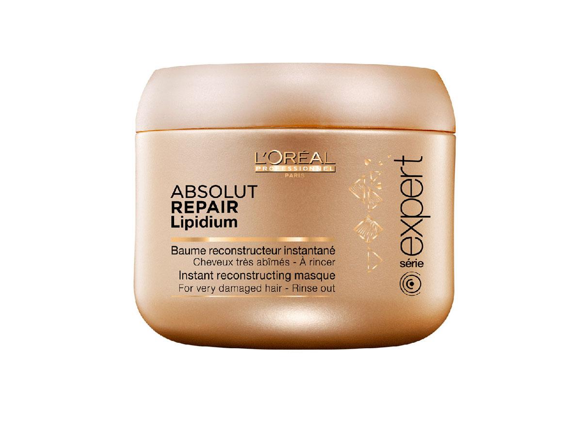 LOreal Professionnel Маска, восстанавливающая структуру волос на клеточном уровне Expert Absolut Repair Lipidium - 200 млE0640702Маска Absolut Repair Lipidium питает, защищает и укрепляет волокна волос по всей длине. Содержащиеся в маске УФ-фильтры защищают волосы от ультрафиолета. Различные виды натурального воска, входящие в состав маски, обволакивают каждый волос защитной пленкой, оберегающей от отрицательного воздействия окружающей среды и придающей им красивый и ухоженный вид. Волосы меньше ломаются и становятся более крепкими по всей длине.