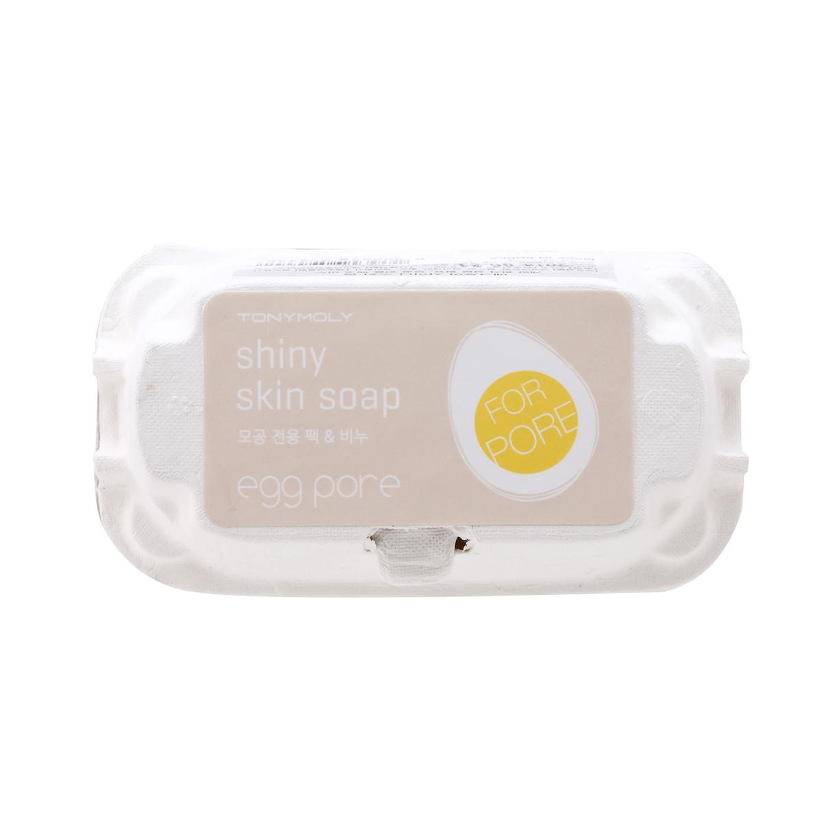 TonyMoly Мыло-маска для чистки пор Egg Pore Shiny Skin Soap, 50г*2штES01000100Основной компонент мыла это яичный белок - сужает поры и уменьшает жирность, питает кожу и придает ей эластичность. Надолго избавит Т-зону от жирного блеска и поможет решить проблему расширенных пор. Витамин В, входящий в состав мыла, обладает подсушивающим и подтягивающим эффектом, а также выравнивает цвет лица и дарит ощущение невероятной чистоты. Марка Tony Moly чаще всего размещает на упаковке (внизу или наверху на спайке двух сторон упаковки, на дне банки, на тубе сбоку) дату изготовления в формате: год/месяц/дата.