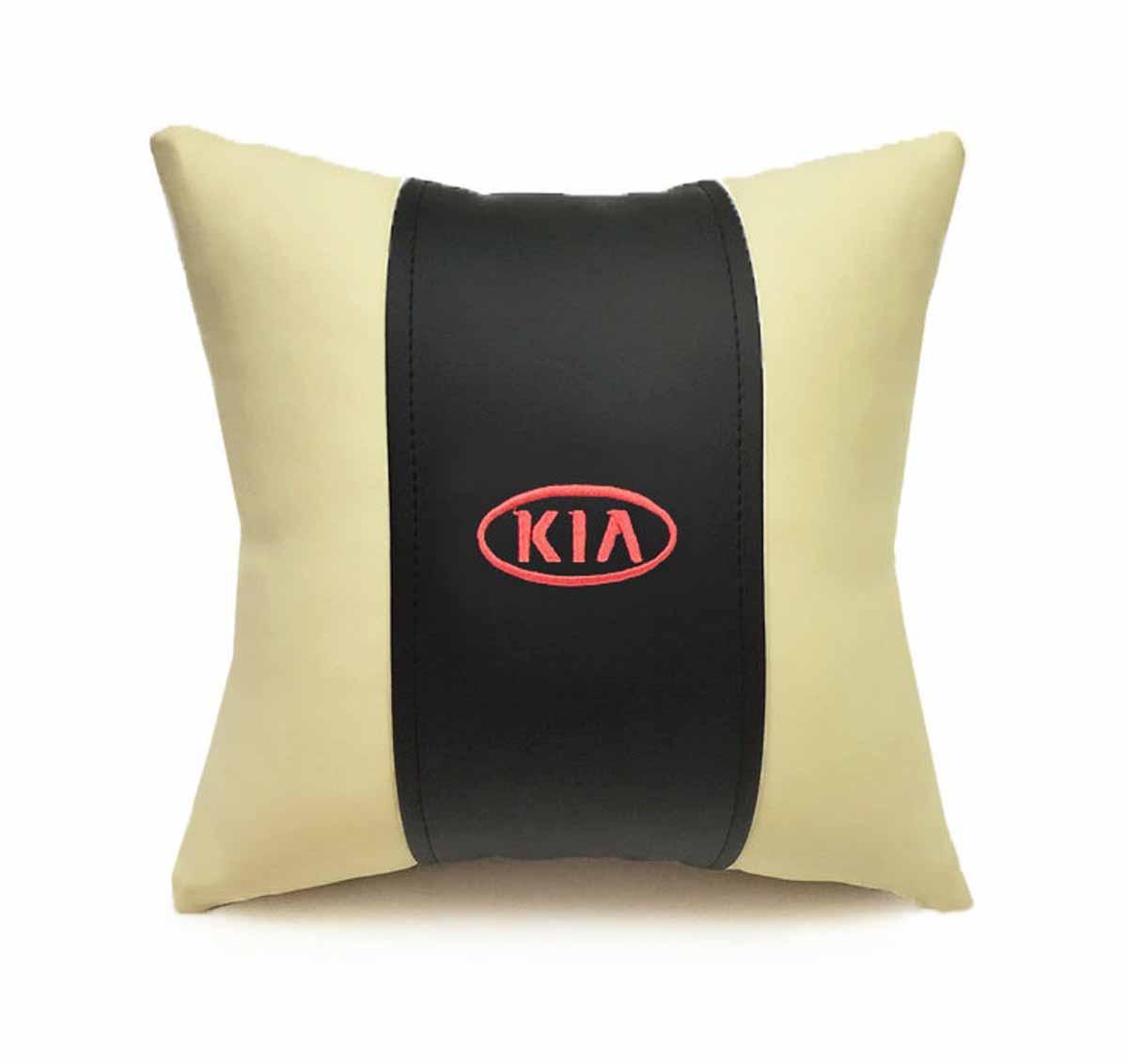 Подушка декоративная Auto premium Kia, цвет: черный, бежевый37054Подушка в машину с вышивкой автологотипа Auto Premium Kia - отличное дополнение для салона вашего авто. Мягкая подушка, изготовленная из матовой экокожи, будет удобна пассажиру. Она долго не перестанет радовать вас своим видом. Оптимальный размер подушки (30 х 30 см) не загромождает салон автомобиля.