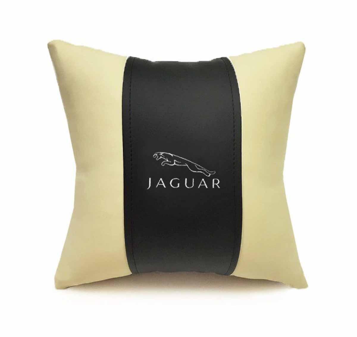 Подушка декоративная Auto premium Jaguar, цвет: черный, бежевый37072Подушка в машину с вышивкой автологотипа отличное дополнение для салона вашего авто. Мягкая подушка, изготовленная из матовой экокожи, будет удобна пассажиру. Она долго не перестанет радовать вас своим видом. Оптимальный размер подушки не загромождает салон автомобиля. Размер подушки: 30 х 30 см.