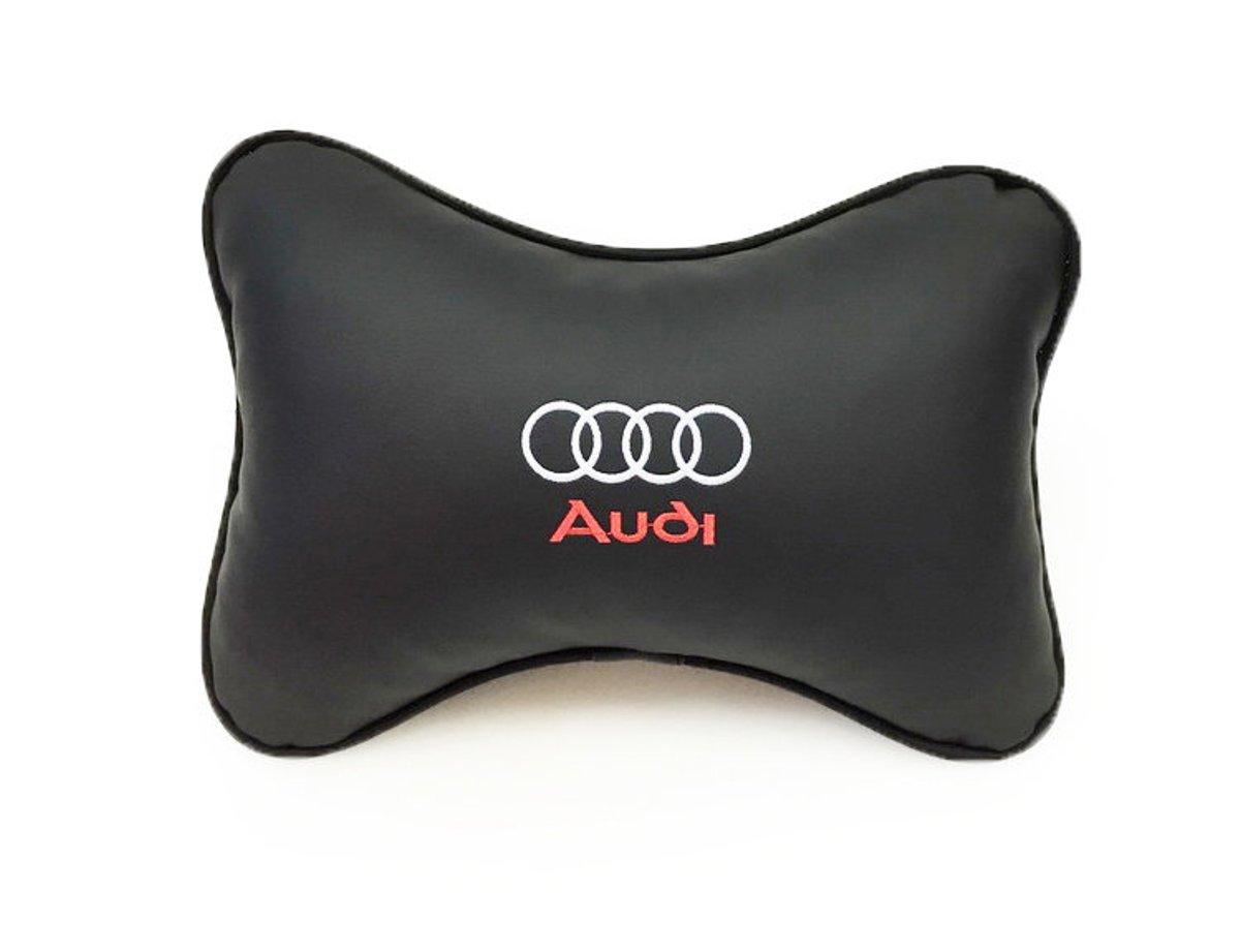Подушка на подголовник Auto Premium Audi, цвет: черный37001Подушка на подголовник Auto Premium Audi - это прежде всего лучший способ создать комфорт для шеи и головы во время пребывания в автомобильном кресле. Большинство штатных подголовников устроены так, что до них попросту не дотянуться. Данный аксессуар полностью решает эту проблему, создавая мягкую ортопедическою поддержку. Подушка крепится к сиденью, а это значит один раз поставил - и забыл. Меньше утомляемость - выше внимание и концентрация на дороге. Подушка одинаково удобна для пассажира и водителя. Выполнена из экокожи, а значит имеет повышенный ресурс и прочность. Легко чистится влажной тряпкой, не требует стирки, не впитывает пыль и грязь. Экокожа дышащий материал, а значит будет комфортно и летом.