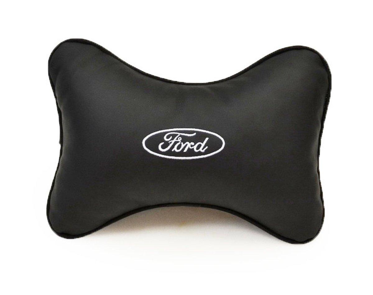 Подушка на подголовник Auto Premium Ford, цвет: черный37006Подушка на подголовник Auto Premium Ford - это прежде всего лучший способ создать комфорт для шеи и головы во время пребывания в автомобильном кресле. Большинство штатных подголовников устроены так, что до них попросту не дотянуться. Данный аксессуар полностью решает эту проблему, создавая мягкую ортопедическою поддержку. Подушка крепится к сиденью, а это значит один раз поставил - и забыл. Меньше утомляемость - выше внимание и концентрация на дороге. Подушка одинаково удобна для пассажира и водителя. Выполнена из экокожи, а значит имеет повышенный ресурс и прочность. Легко чистится влажной тряпкой, не требует стирки, не впитывает пыль и грязь. Экокожа дышащий материал, а значит будет комфортно и летом.