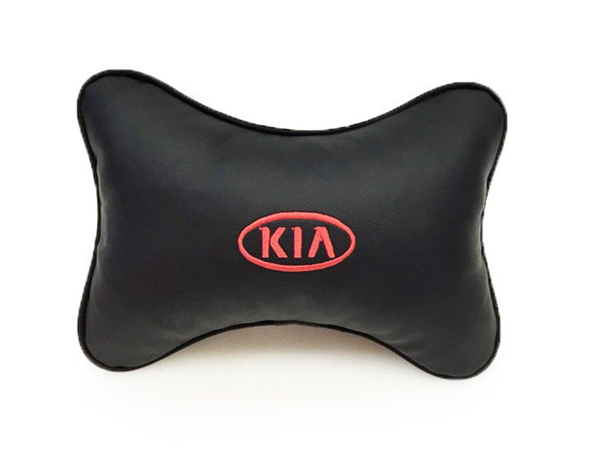 Подушка на подголовник Auto premium KIA, цвет: черный. 3701537015Подушка на подголовник Auto Premium Kia - это прежде всего лучший способ создать комфорт для шеи и головы во время пребывания в автомобильном кресле. Большинство штатных подголовников устроены так, что до них попросту не дотянуться. Данный аксессуар полностью решает эту проблему, создавая мягкую ортопедическою поддержку. Подушка крепится к сиденью, а это значит один раз поставил - и забыл. Меньше утомляемость - выше внимание и концентрация на дороге. Подушка одинаково удобна для пассажира и водителя. Выполнена из экокожи, а значит имеет повышенный ресурс и прочность. Легко чистится влажной тряпкой, не требует стирки, не впитывает пыль и грязь. Экокожа дышащий материал, а значит будет комфортно и летом.